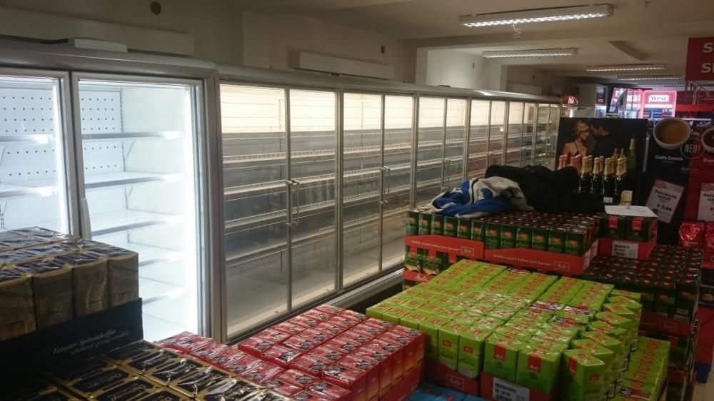Dodávka nových chladících vitrín v obci Hraničná